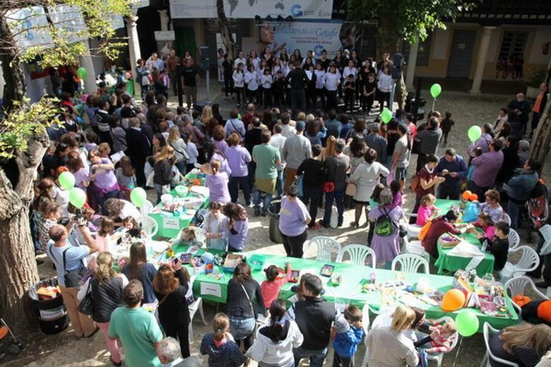 Miles de personas acudieron al evento 'Solidarios Getafe' donde tomaron contacto con los colectivos y ONG's participantes