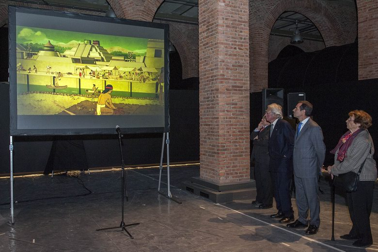 Últimos preparativos para la exposición de Hernán Cortés en el Centro de Exposiciones Arte Canal