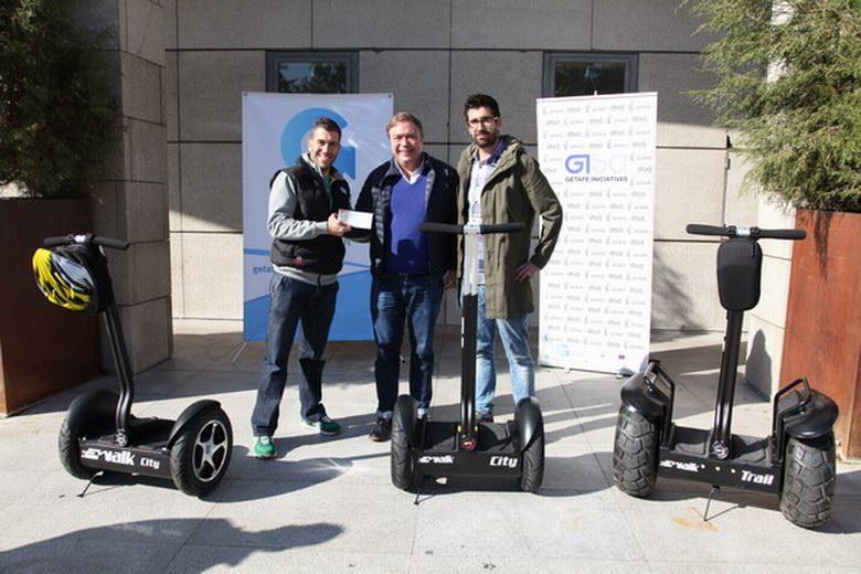 Cheque de 3.000 euros a la empresa ganadora del 'Premio al Emprendedor Local de Getafe'