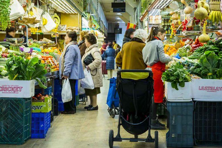 Los mercados municipales de Madrid se unen para luchar contra el desperdicio de alimentos