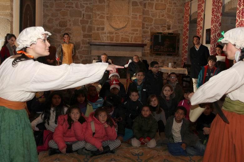 Los niños de los CEPI celebran la Navidad en el Castillo de Manzanares El Real