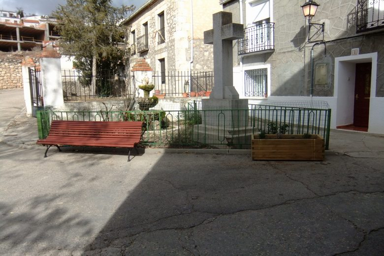 Ambite renueva su mobiliario urbano