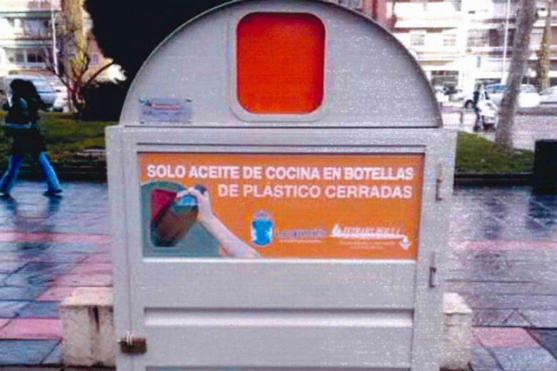 Nuevos contenedores de reciclaje de aceite doméstico en Móstoles