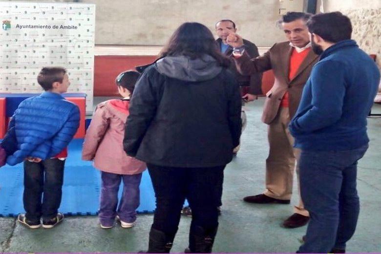 El Ayuntamiento de Ambite dota de nuevo equipamiento al colegio 3 de Mayo