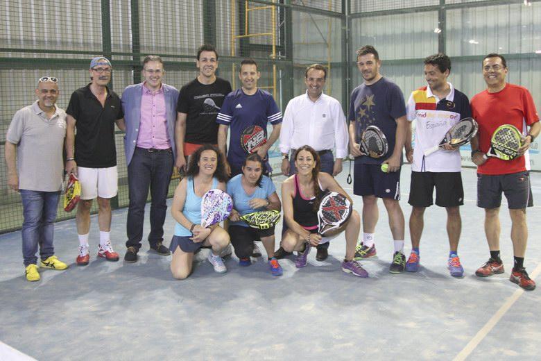 """III edición de la Liga Municipal de Pádel """"Ciudad de Móstoles 2015"""" en la que han participado cerca de 150 deportistas"""
