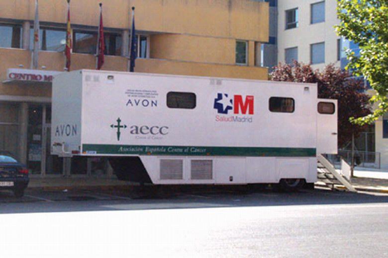 El mamobús, la unidad de detección precoz del cáncer de mama, visitará Pinto en junio