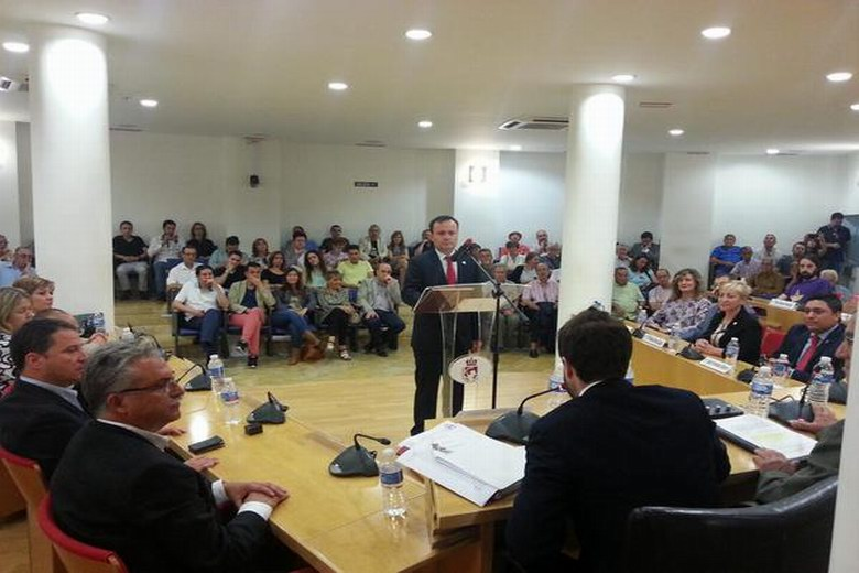 Ángel Viveros, investido alcalde de Coslada