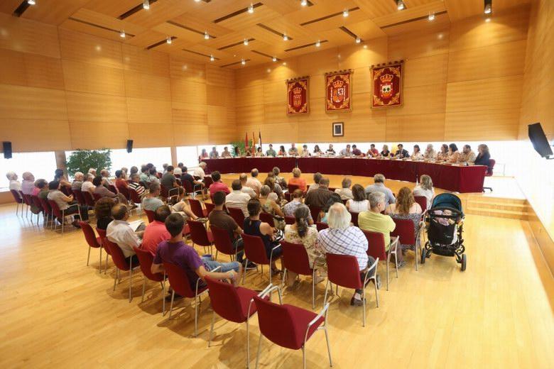 El Pleno de Tres Cantos aprueba una rebaja del 40% en el impuesto sobre la plusvalía municipal