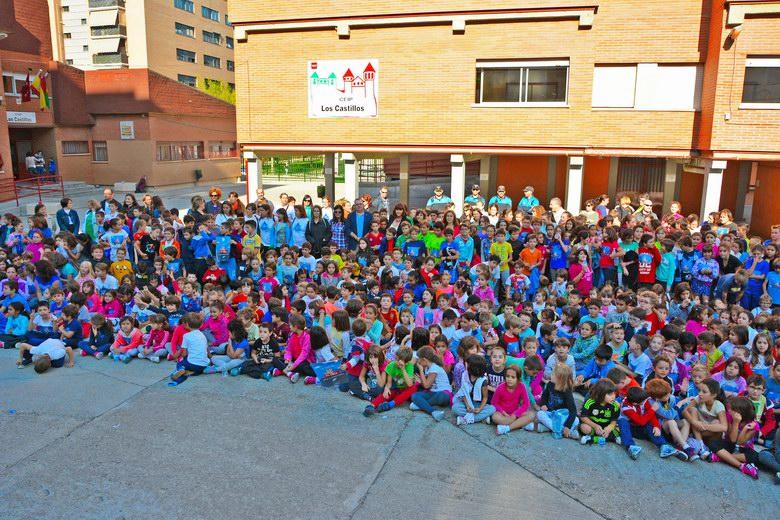 Alumnos del CEIP Los Castillos de Alcorcón participan en una carrera solidaria por la Leucemia infantil