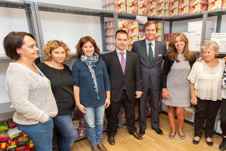 El Banco de Alimentos de Boadilla recibe la aportación económica de La Caixa