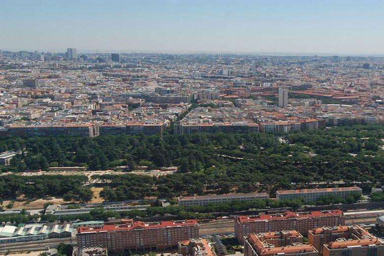 El sábado se mantendrá la velocidad máxima a 70 km/hora en la M-30 y accesos a Madrid por la alta contaminación