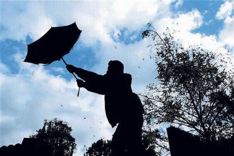 El 112 de la Comunidad de Madrid alerta de fuertes rachas de viento para mañana martes