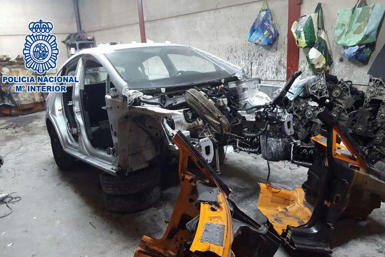 La Policía Nacional desmantela en Getafe una nave en la que se despiezaban vehículos robados