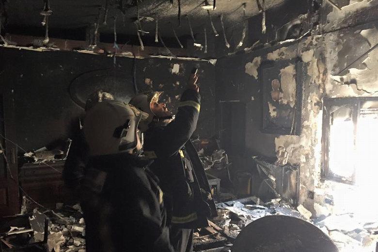 Grave incendio en una vivienda de la calle Libreros de Alcalá