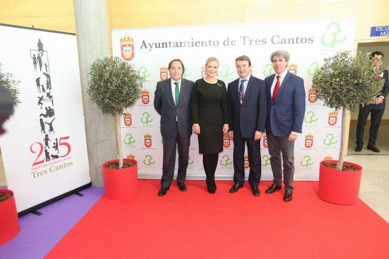 Tres Cantos celebra junto a Cifuentes el25 aniversario de su fundación