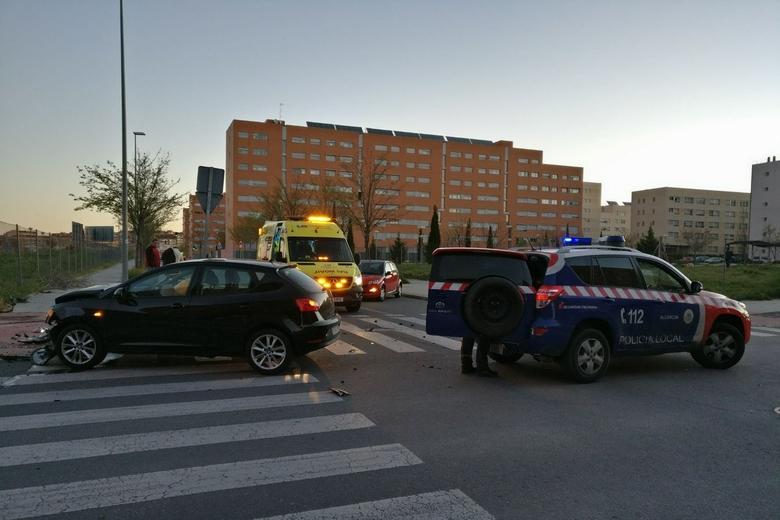 Dos heridos tras un grave accidente de tr fico en alcorc n for Calle mistral