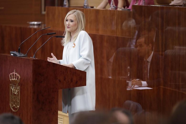 """Cifuentes: """"Madrid sigue adelante pese al relato catastrofista del tripartito de oposición"""""""