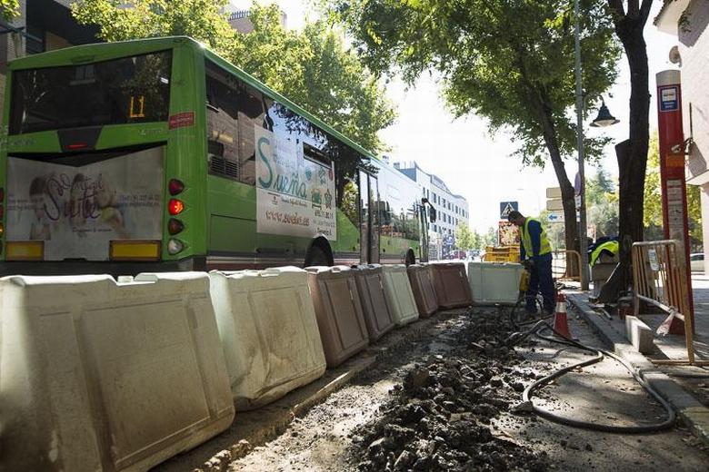 Mejoras en las paradas de autobuses de Pinto