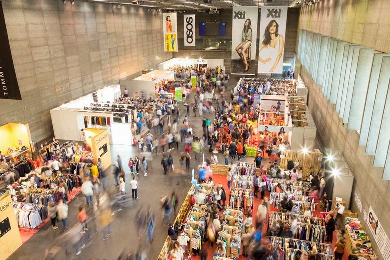 906c1ec8 Stock! Feria Outlet Madrid aterriza mañana en la Casa de Campo ...