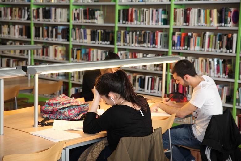 Reanuda su servicio la Biblioteca del Centro Cultural La Paz de Fuenlabrada