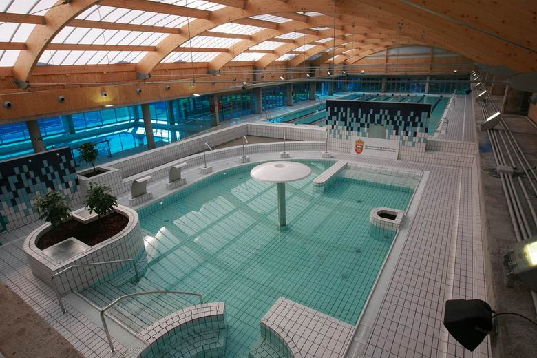 la piscina del centro deportivo islas de tres cantos