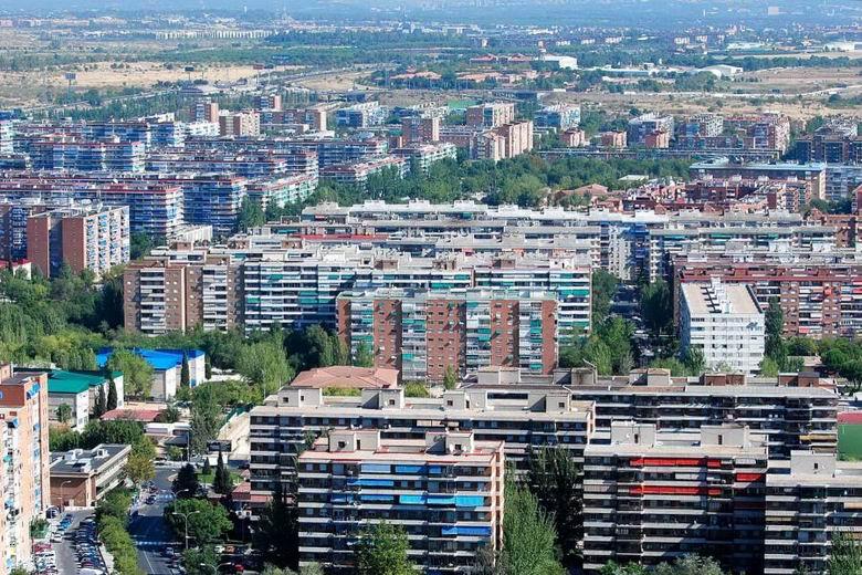 Ayuntamiento y agentes sociales firman un acuerdo socioeconómico y por el empleo para abordar la reconstrucción en Alcorcón