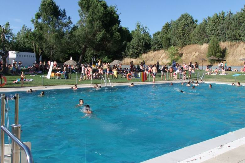 Este viernes 15 de junio se inaugura la temporada de verano en las piscinas municipales de - Piscina villaviciosa de odon ...