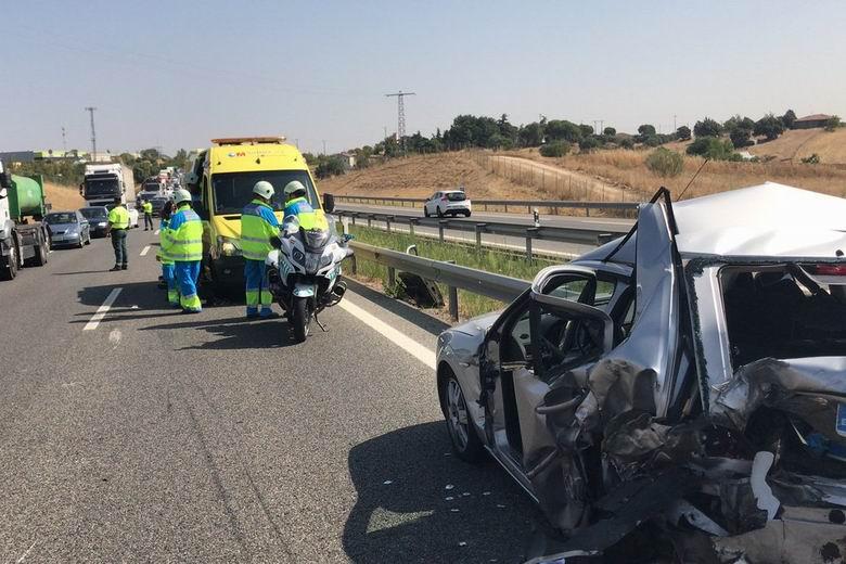 Una persona fallecida y dos heridas en un accidente de tráfico en la A-5