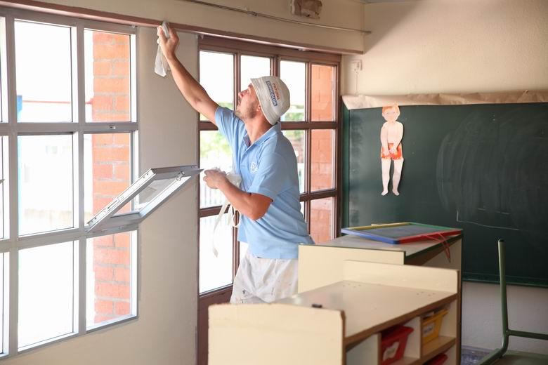 Fuenlabrada destina 170.000 euros para ayudar a los centros escolares a pintar sus edificios