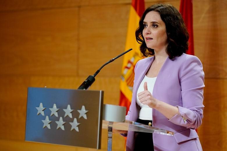 Ayuso desmiente que se vaya a cerrar Madrid por el coronavirus y pide a las personas mayores aislamiento voluntario ante el inminente aumento de casos en los próximos días