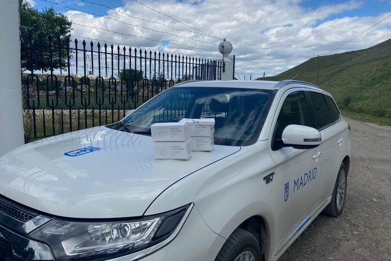 El Ayuntamiento de Madrid reparte más de 7.000 mascarillas en la Cañada Real