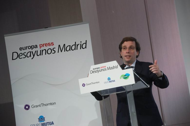 Almeida anuncia que Madrid tendrá seis nuevos carriles bici y una línea perimetral de autobús en Centro a partir de septiembre