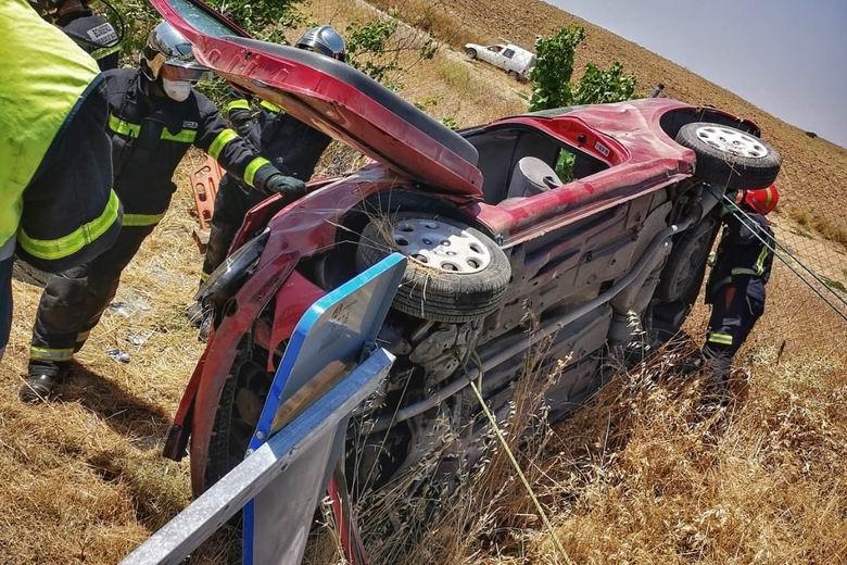 Herida una mujer tras sufrir un aparatoso accidente de tráfico en la M-404 a la altura de El Álamo