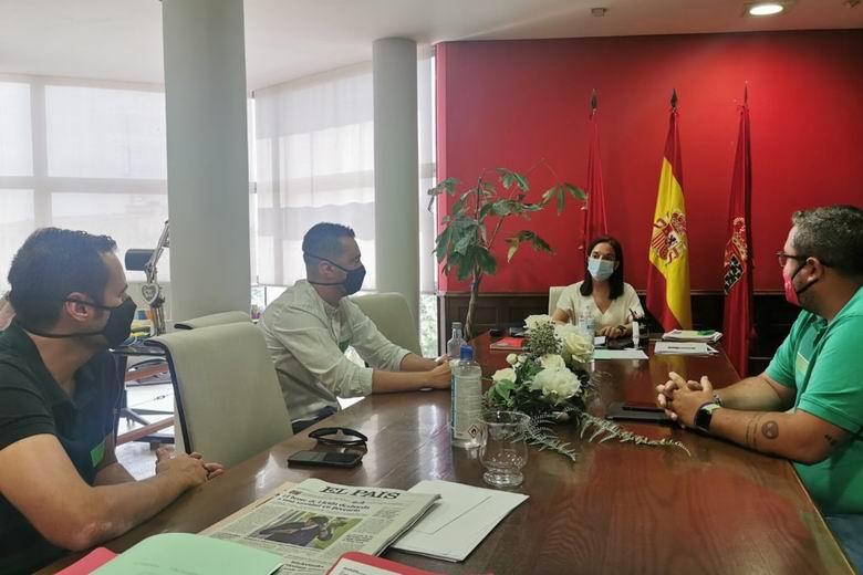 La alcaldesa de Getafe transmite su apoyo a los trabajadores de Airbus frente a los despidos