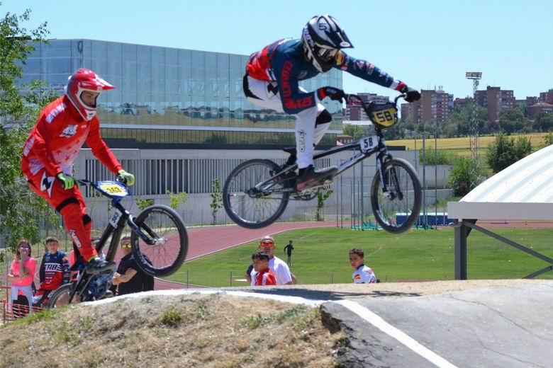 Móstoles mejora y moderniza el circuito de BMX del polideportivo Andrés Torrejón