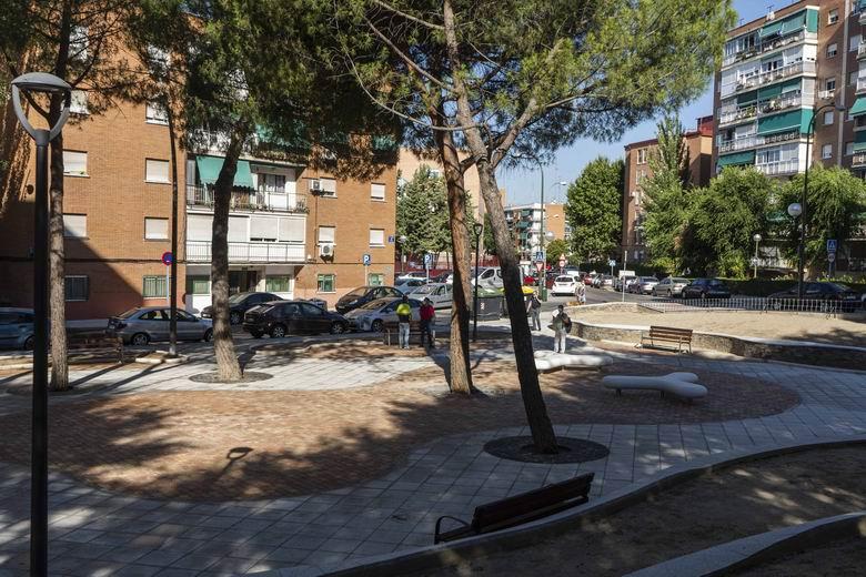 Móstoles finaliza la remodelación integral de un espacio público para uso ciudadano entre las calles Río Genil y Río Bidasoa
