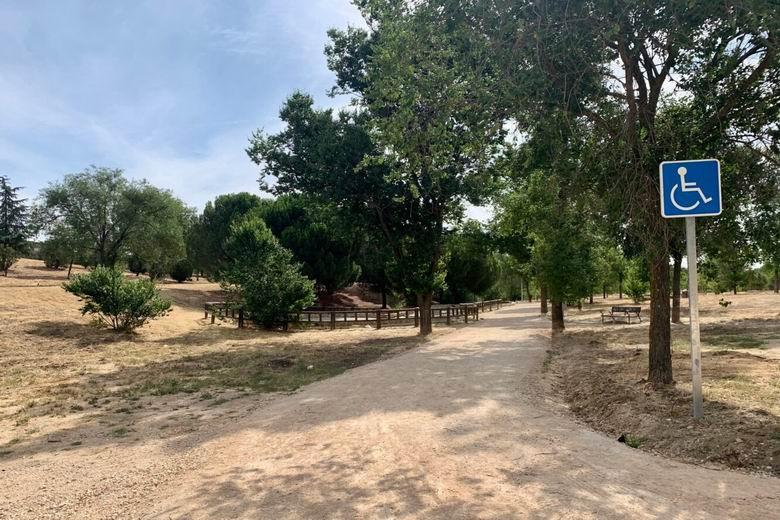 Finalizan las obras del parque forestal de Vicálvaro: caminos remodelados y red de riego
