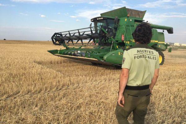 agentes forestales control maquinaria industrial comunidad de madrid cosechadora