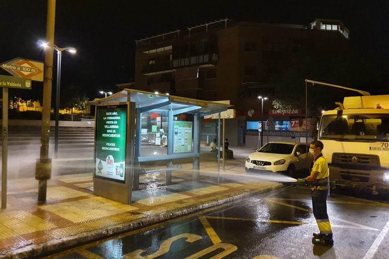 Alcobendas desinfecta calles y mobiliario urbano cada noche como medida de prevención frente al COVID-19