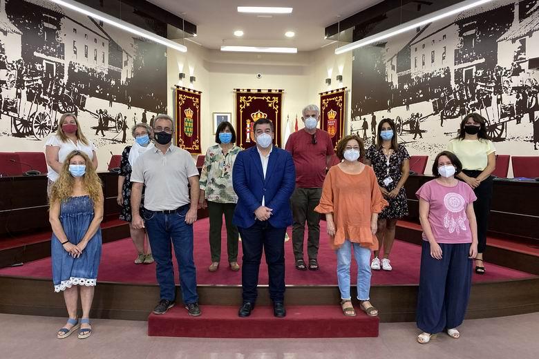 El alcalde de Galapagar se reúne con las asociaciones sociales del municipio para fortalecer su coordinación frente a la crisis del coronavirus
