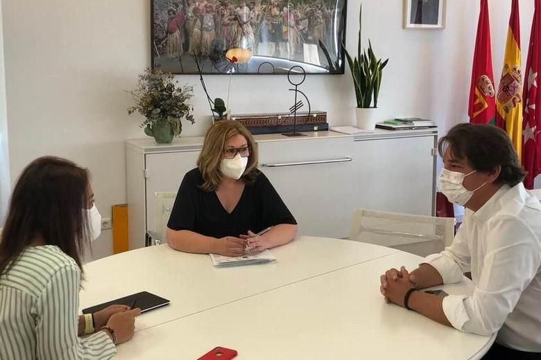 Indignación entre los alcaldes y alcaldesas del sur tras la cancelación de la reunión prevista para el viernes con Díaz Ayuso
