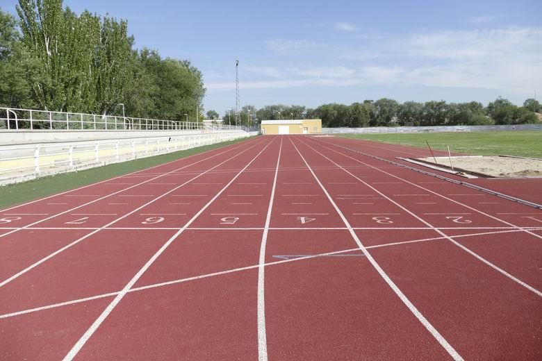La Escuela Municipal de atletismo de Móstoles comienza la temporada con las medidas higiénico- sanitarias reforzadas