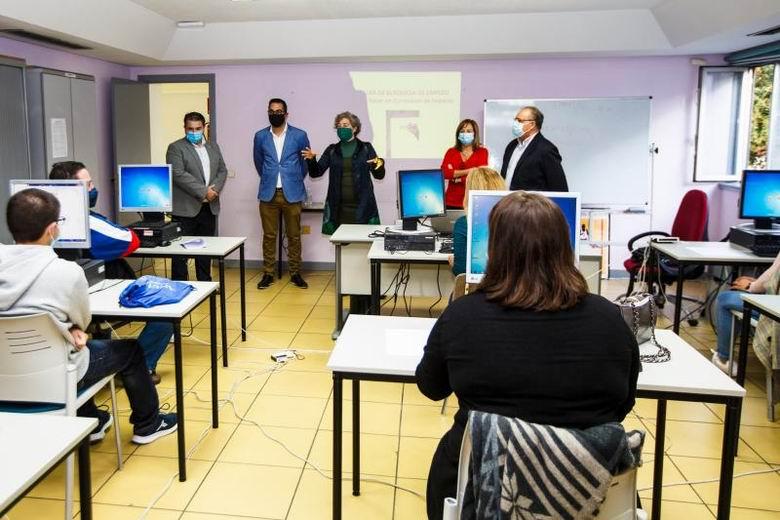 Pinto impulsa varios talleres para la búsqueda de empleo