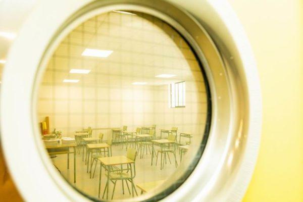 pozuelo foto aula colegio vacia
