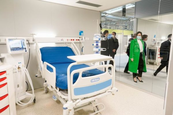 diaz ayuso hospital enfermera isabel zendal 2