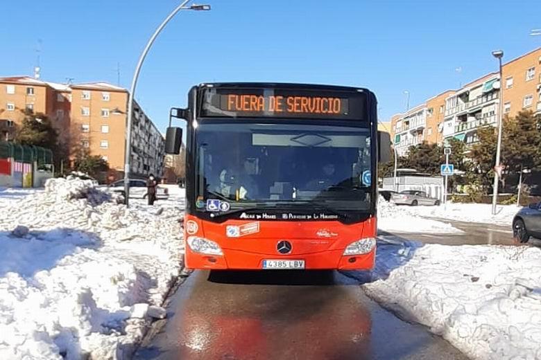 Comienzan a funcionar en Alcalá las líneas 2 y 9 de autobús urbano tras la nevada