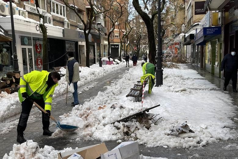 Alcorcón expide justificantes para aquellos vecinos que no puedan acudir a sus puestos de trabajo por la nieve