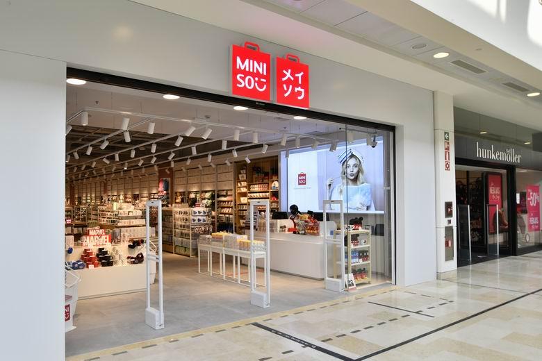 La marca de diseño japonés Miniso inaugura una nueva tienda en el centro comercial intu Xanadú de Arroyomolinos