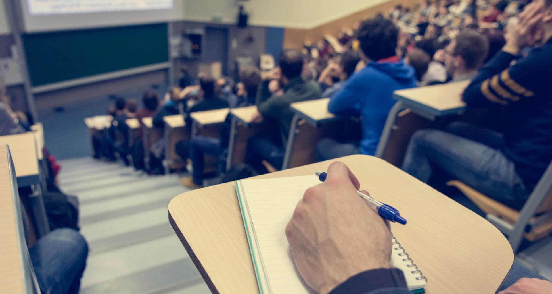 Las universidades madrileñas mantendrán la presencialidad en los exámenes