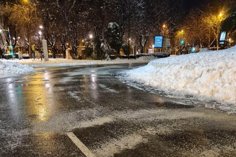 Avanzan los trabajos para la vuelta a la normalidad tras la nevada en Getafe